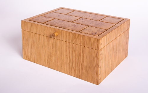Cufflink/jewellery box in oak with burr oak lid panels